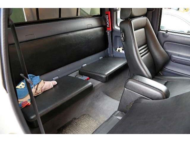 verkauft toyota hilux 4x2 single cab a gebraucht 2003 km in d sseldorf. Black Bedroom Furniture Sets. Home Design Ideas