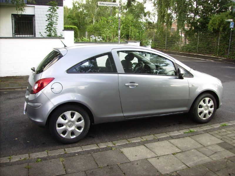 verkauft opel corsa 1 2 16v edition 5 gebraucht 2009 km in k ln. Black Bedroom Furniture Sets. Home Design Ideas