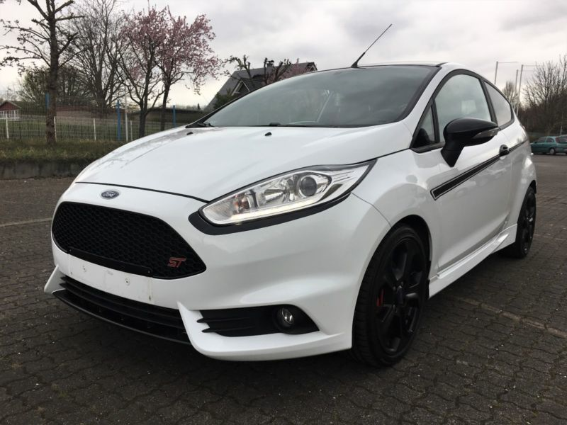verkauft ford fiesta st recaro 182ps t gebraucht 2013 km in werl. Black Bedroom Furniture Sets. Home Design Ideas