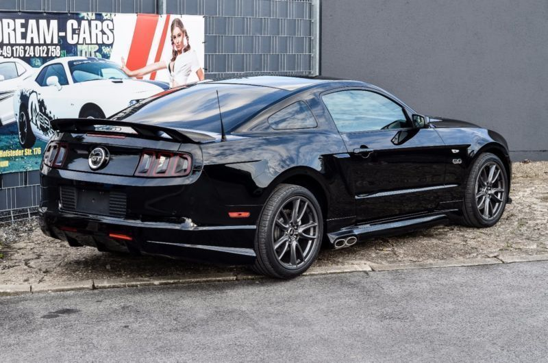 verkauft ford mustang gt premium side gebraucht 2012. Black Bedroom Furniture Sets. Home Design Ideas