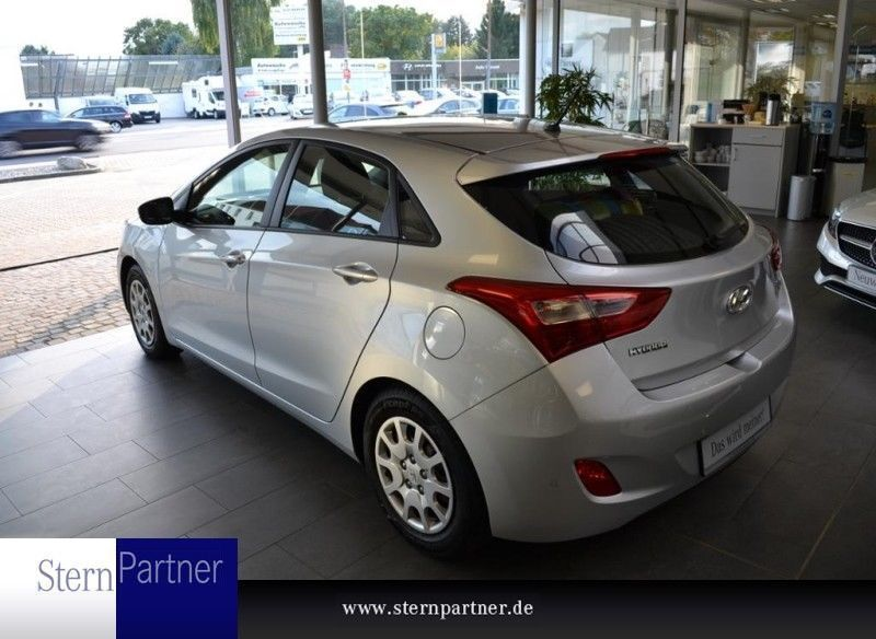verkauft hyundai i30 1 6 crdi trend ei gebraucht 2014 km in burgdorf. Black Bedroom Furniture Sets. Home Design Ideas