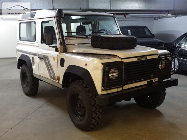 verkauft land rover defender 90 hubdac gebraucht 1994 km in berlin. Black Bedroom Furniture Sets. Home Design Ideas