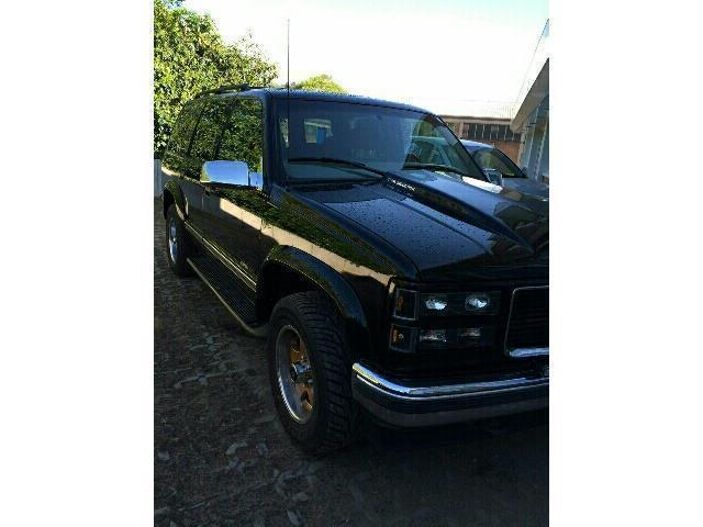 tahoe gebrauchte chevrolet tahoe kaufen 50 g nstige autos zum verkauf. Black Bedroom Furniture Sets. Home Design Ideas