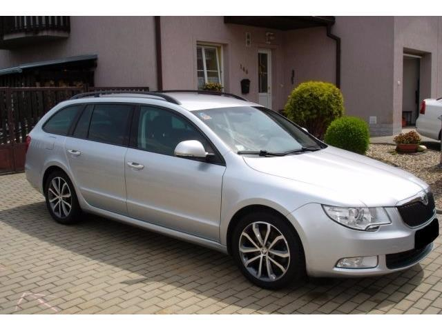 verkauft skoda superb combi 1 6 tdi am gebraucht 2011 km in berlin. Black Bedroom Furniture Sets. Home Design Ideas