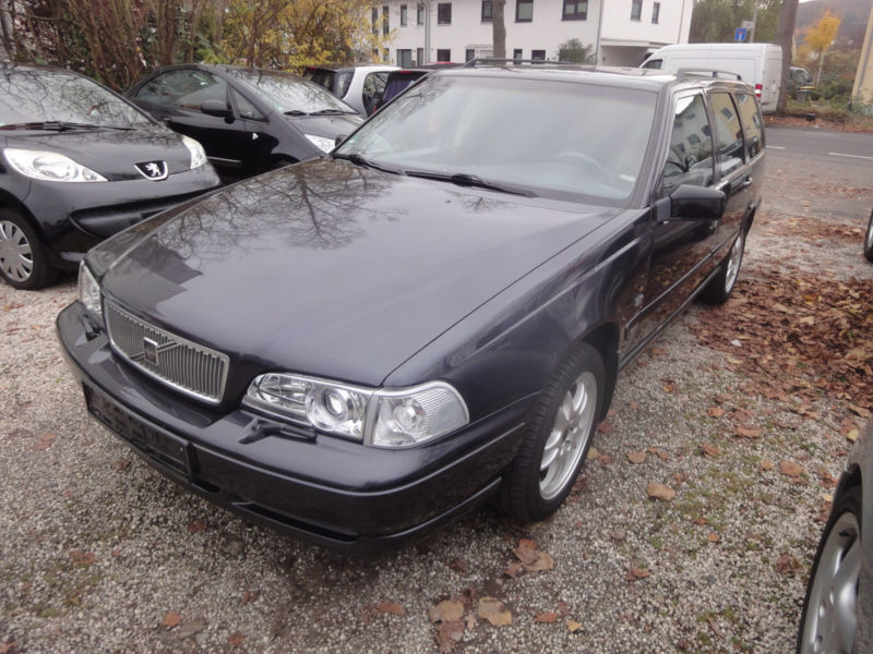 gebraucht 2 5 volvo v70 1997 km in bonn autouncle. Black Bedroom Furniture Sets. Home Design Ideas