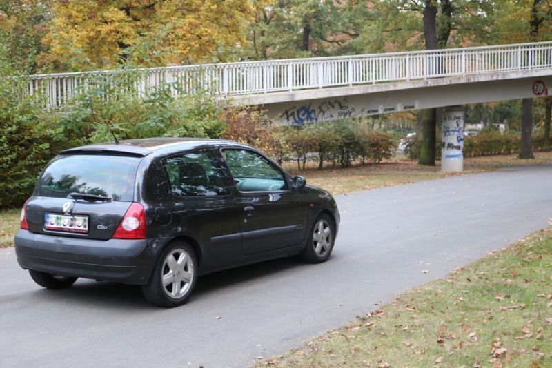 gebraucht 1 4 16v blue sensation renault clio 2002 km in siegen. Black Bedroom Furniture Sets. Home Design Ideas