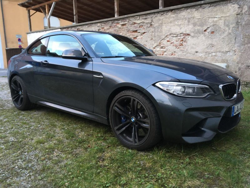 verkauft bmw m2 coupe mineralgrau von gebraucht 2017 km in landshut. Black Bedroom Furniture Sets. Home Design Ideas