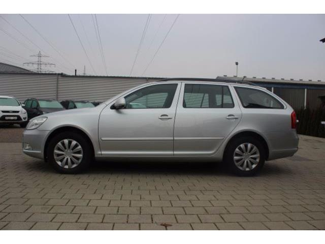 verkauft skoda octavia 1 6 tdi dpf amb gebraucht 2012 km in eutin. Black Bedroom Furniture Sets. Home Design Ideas