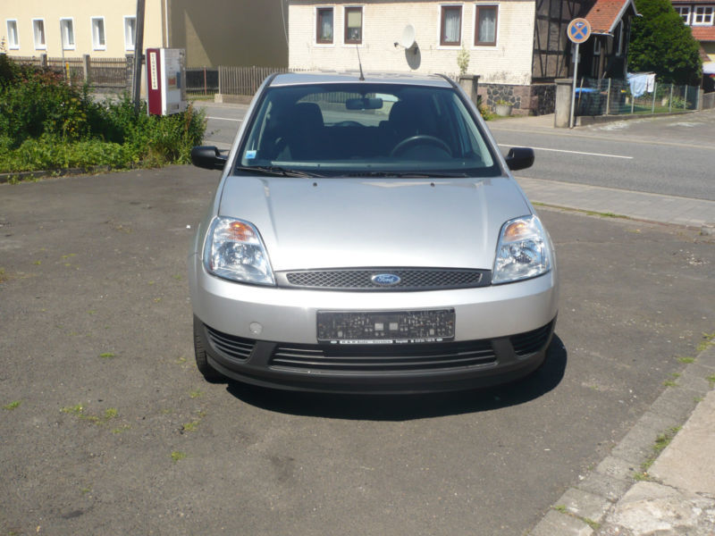 verkauft ford fiesta 1 4 viva t v neu gebraucht 2004 km in lauterbach. Black Bedroom Furniture Sets. Home Design Ideas