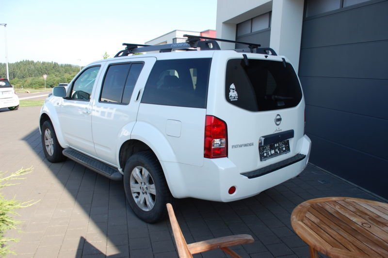 verkauft nissan pathfinder 2 5 dci pre gebraucht 2005 km in trier. Black Bedroom Furniture Sets. Home Design Ideas