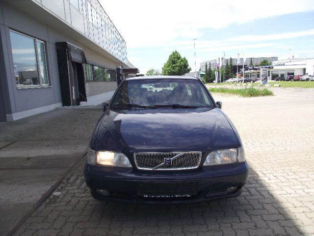 verkauft volvo v70 2 5 d vollleder kli gebraucht 2000 km in hechingen. Black Bedroom Furniture Sets. Home Design Ideas