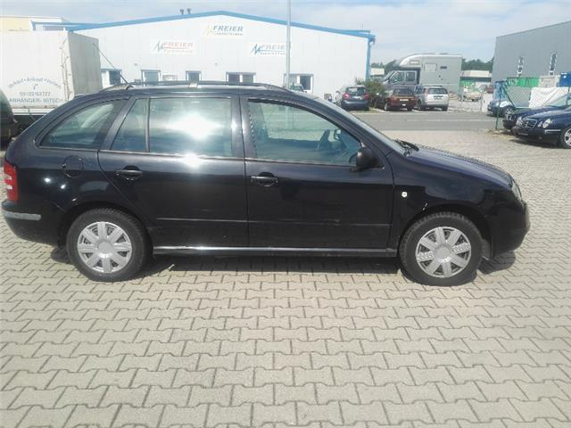 verkauft skoda fabia 1 9 sdi combi lu gebraucht 2003 km in altdorf. Black Bedroom Furniture Sets. Home Design Ideas