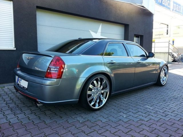 verkauft chrysler 300c srt8 6 1 automa gebraucht 2006. Black Bedroom Furniture Sets. Home Design Ideas