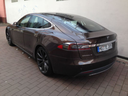 verkauft tesla model s 85 kwh braun gebraucht 2014. Black Bedroom Furniture Sets. Home Design Ideas