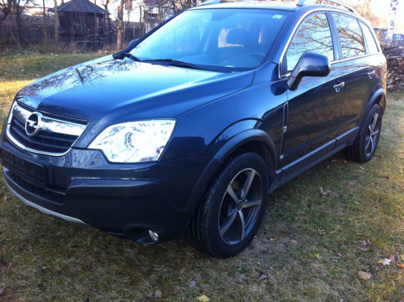 verkauft opel antara cosmo 4x4 gebraucht 2009 km in thalfingen. Black Bedroom Furniture Sets. Home Design Ideas