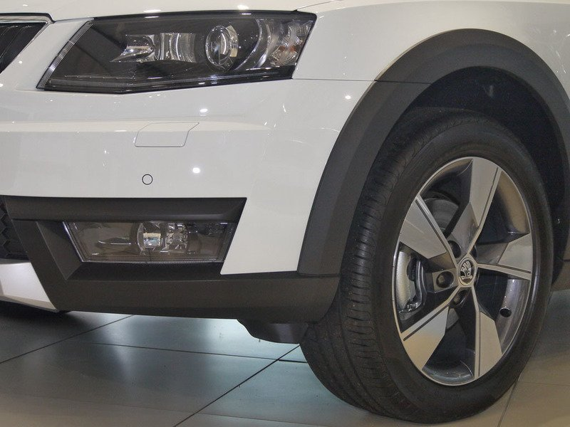 verkauft skoda octavia combi scout 4x4 gebraucht 2015 10 km in rheine. Black Bedroom Furniture Sets. Home Design Ideas