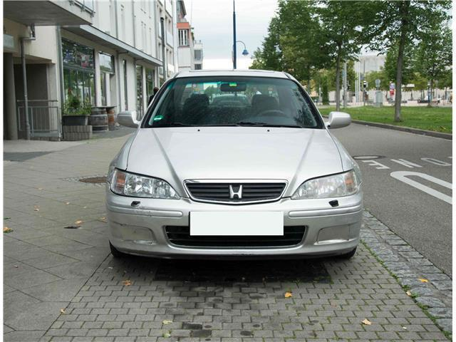 verkauft honda accord es gebraucht 2000 km in freiburg. Black Bedroom Furniture Sets. Home Design Ideas