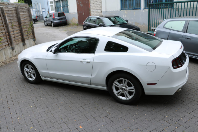 verkauft ford mustang 3 7 20 felgen gebraucht 2014 km in asslar werdorf. Black Bedroom Furniture Sets. Home Design Ideas