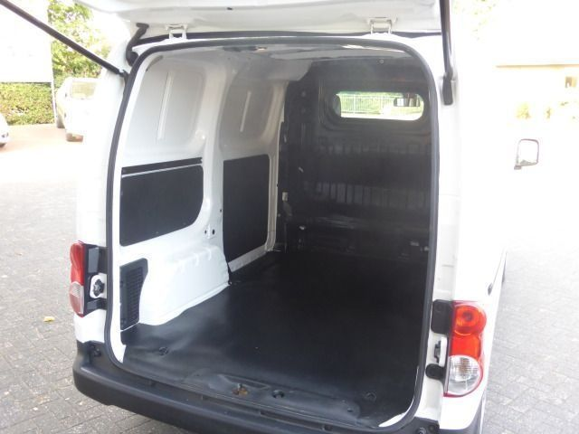 verkauft nissan nv200 nv 200evalia kas gebraucht 2014 km in kippenheim. Black Bedroom Furniture Sets. Home Design Ideas