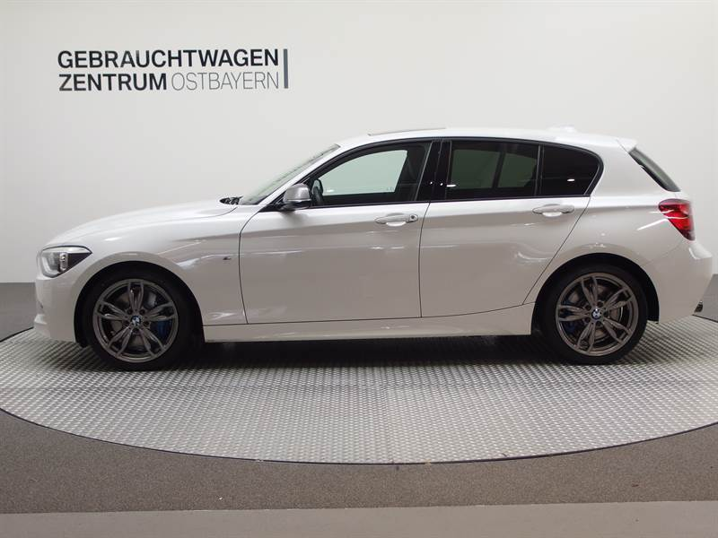 verkauft bmw m135 i xdrive sag navi gs gebraucht 2014. Black Bedroom Furniture Sets. Home Design Ideas