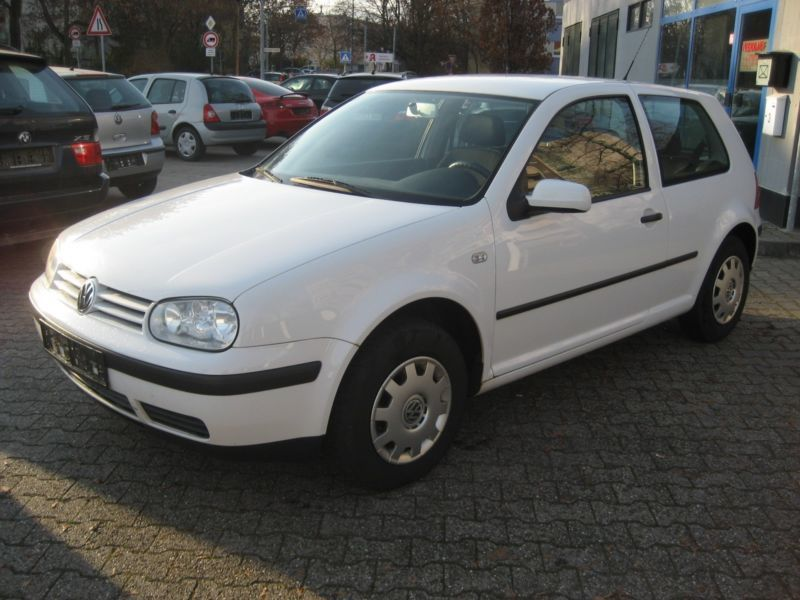 gebraucht 1 4 special vw golf 2001 km in stuttgart. Black Bedroom Furniture Sets. Home Design Ideas
