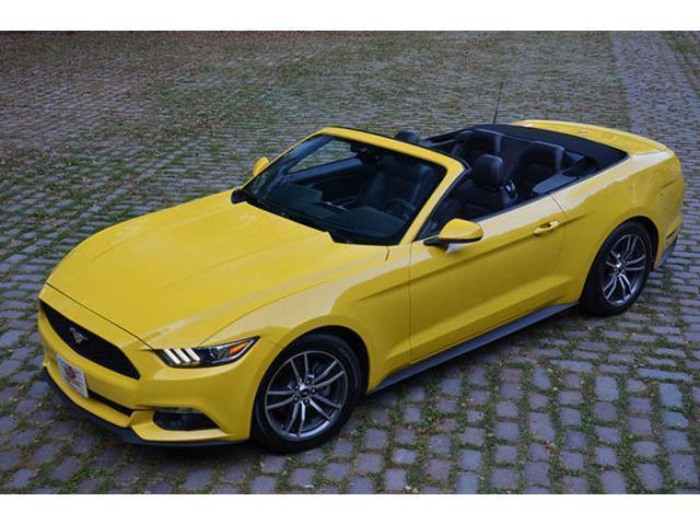 verkauft ford mustang 2015 cabrio 2 3l gebraucht 2015. Black Bedroom Furniture Sets. Home Design Ideas
