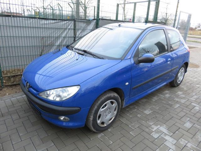 verkauft peugeot 206 75 premium automa gebraucht 2003 km in m hnesee. Black Bedroom Furniture Sets. Home Design Ideas