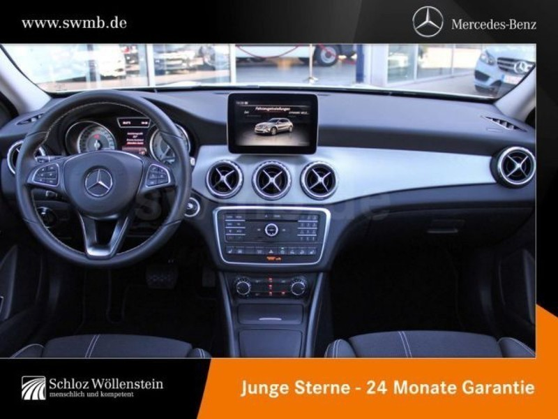verkauft mercedes gla200 d sport utili gebraucht 2016 3. Black Bedroom Furniture Sets. Home Design Ideas