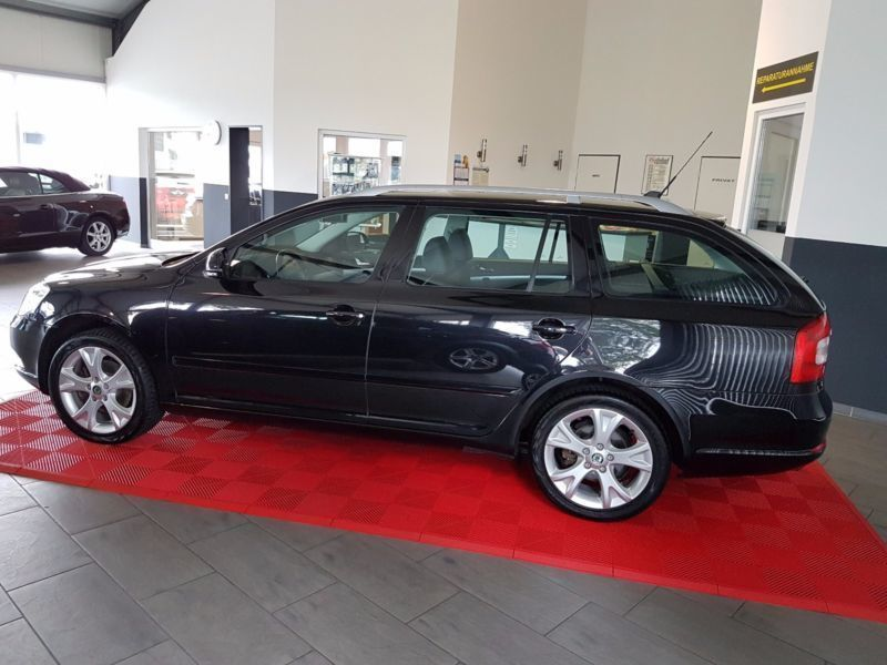 verkauft skoda octavia combi elegance gebraucht 2010 km in spelle. Black Bedroom Furniture Sets. Home Design Ideas