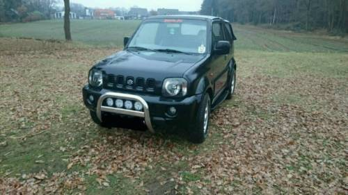 verkauft suzuki jimny winterdienst fah gebraucht 2000 km in friedberg. Black Bedroom Furniture Sets. Home Design Ideas
