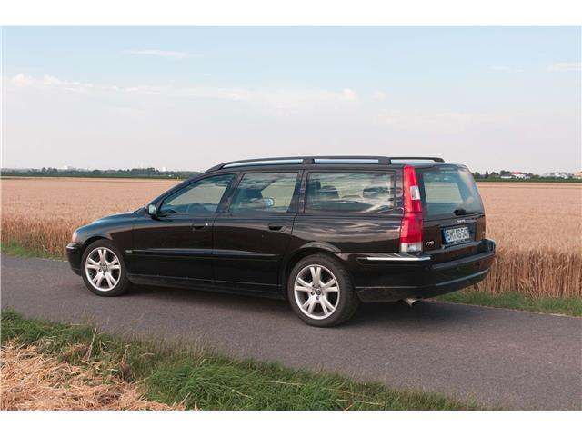 verkauft volvo v70 t5 aut summum gebraucht 2005. Black Bedroom Furniture Sets. Home Design Ideas