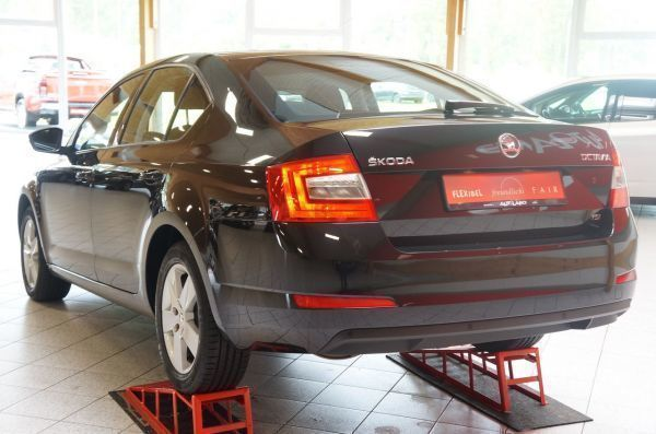 verkauft skoda octavia iii 1 4 tsi gre gebraucht 2014 km in gera. Black Bedroom Furniture Sets. Home Design Ideas
