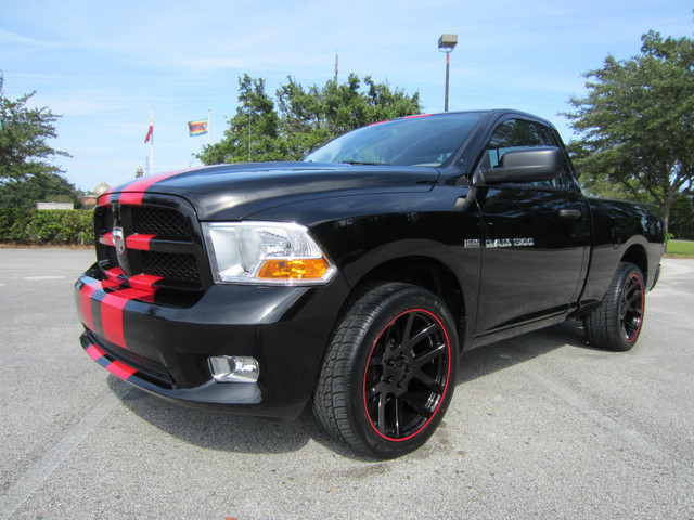 verkauft dodge ram 5 7 hemi 22 zoll sr gebraucht 2012 4. Black Bedroom Furniture Sets. Home Design Ideas