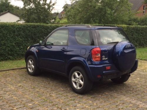 verkauft toyota rav4 4x4 gebraucht 2002 km in recklinghausen. Black Bedroom Furniture Sets. Home Design Ideas