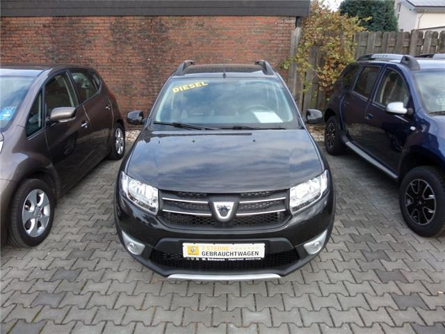 verkauft dacia sandero stepway dci 90 gebraucht 2015 10 km in zeven. Black Bedroom Furniture Sets. Home Design Ideas