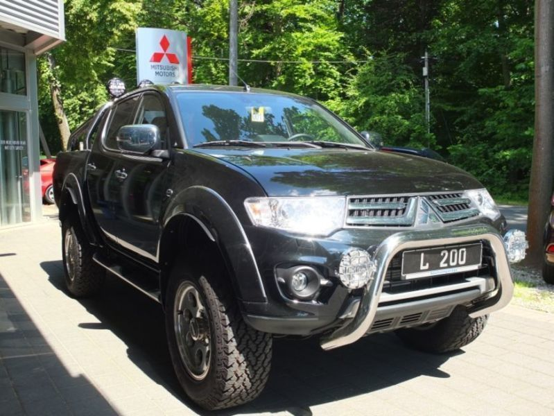 verkauft mitsubishi l200 pick up 4x4 d gebraucht 2015 km in dresden. Black Bedroom Furniture Sets. Home Design Ideas