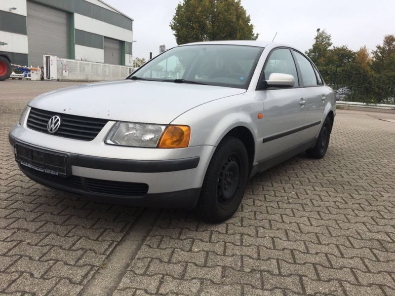 gebraucht 1 6 vw passat 1998 km in stolberg autouncle. Black Bedroom Furniture Sets. Home Design Ideas