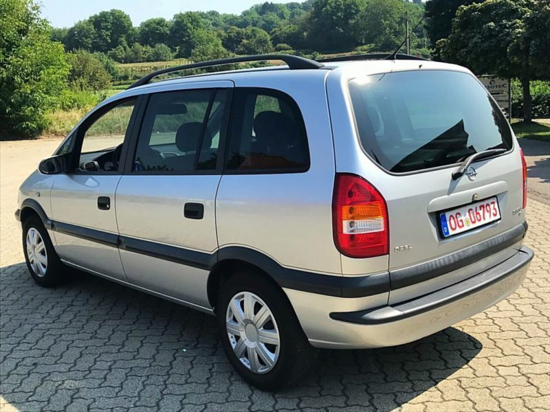 verkauft opel zafira a selection execu gebraucht 2003 km in lahr. Black Bedroom Furniture Sets. Home Design Ideas