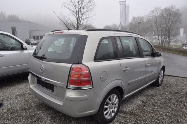 verkauft opel zafira 2 2 7 sitze autom gebraucht 2005 km in nordrhein westfalen. Black Bedroom Furniture Sets. Home Design Ideas