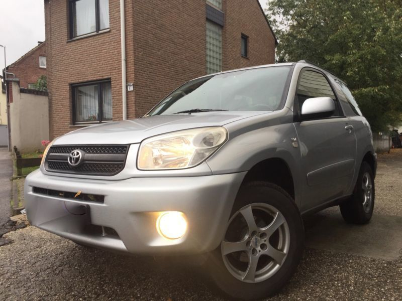 verkauft toyota rav4 4x2 gebraucht 2004 km in lahr. Black Bedroom Furniture Sets. Home Design Ideas