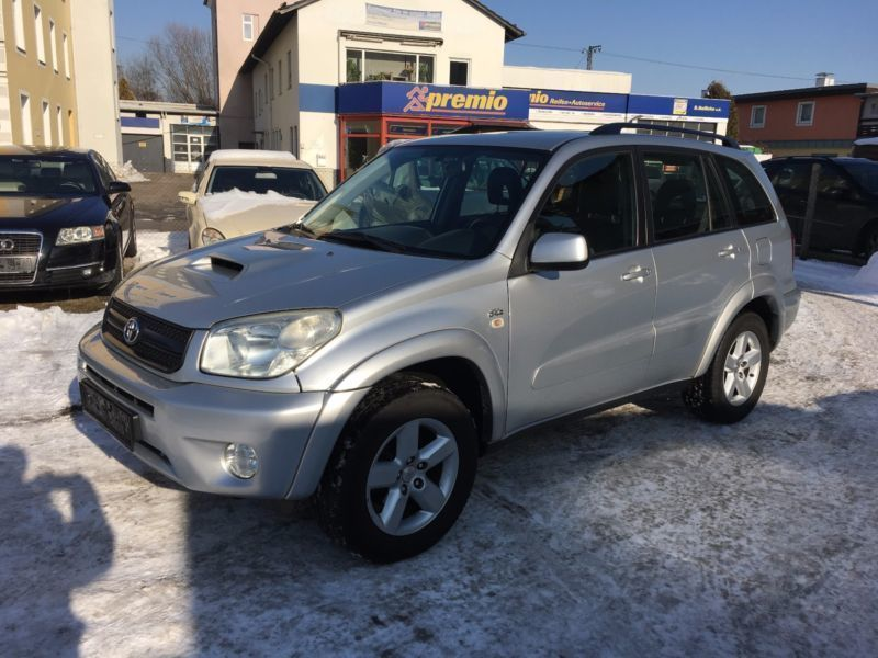 verkauft toyota rav4 d 4d 4x4 gebraucht 2004 km in rosenheim. Black Bedroom Furniture Sets. Home Design Ideas