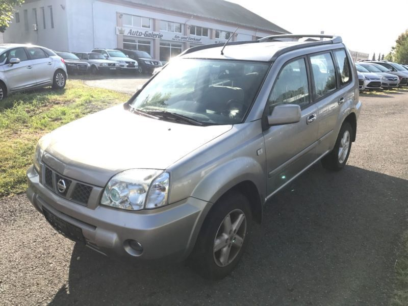 verkauft nissan x trail 2 5 4x4 klimaa gebraucht 2004 km in st wendel. Black Bedroom Furniture Sets. Home Design Ideas