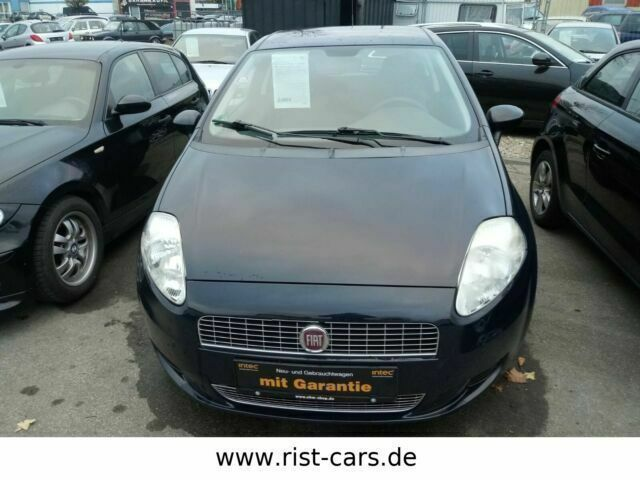 gebraucht 2009 fiat grande punto 1 2 benzin 65 ps 72766 reutlingen autouncle. Black Bedroom Furniture Sets. Home Design Ideas
