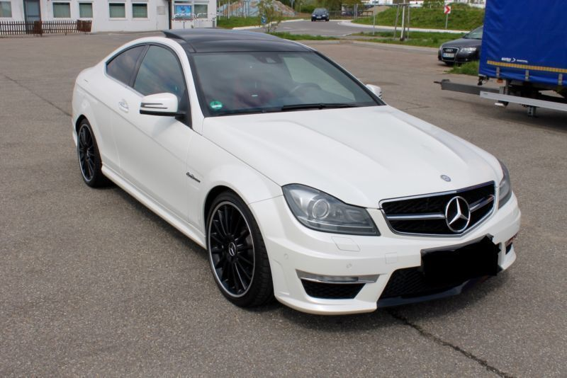 gebraucht amg coupe amg speedshift mct diamantweiss mercedes c63 amg 2011 km in. Black Bedroom Furniture Sets. Home Design Ideas
