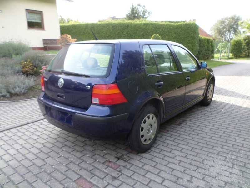 verkauft vw golf 1 6 gebraucht 1999 km in. Black Bedroom Furniture Sets. Home Design Ideas