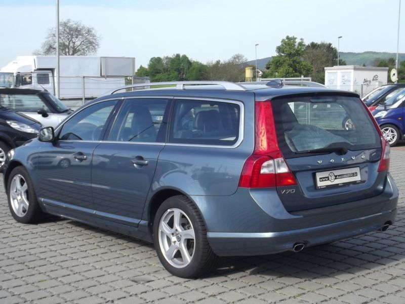 verkauft volvo v70 kombi summum navi gebraucht 2012 km in butzbach. Black Bedroom Furniture Sets. Home Design Ideas