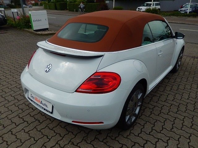 verkauft vw beetle cabrio 1 2 tsi karm gebraucht 2015. Black Bedroom Furniture Sets. Home Design Ideas