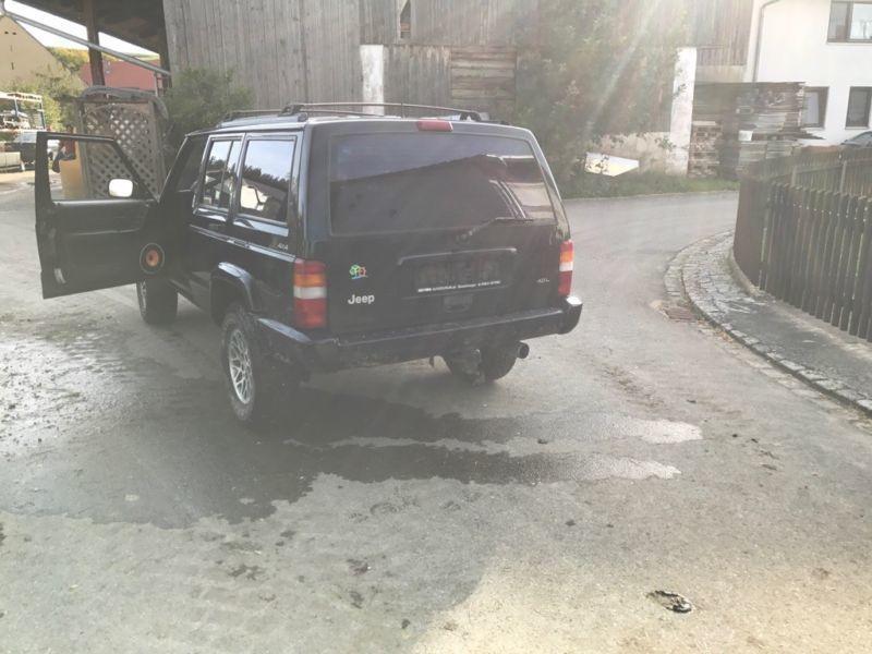 verkauft jeep cherokee 4 0 mit gasanla gebraucht 1998 km in gundelsheim. Black Bedroom Furniture Sets. Home Design Ideas