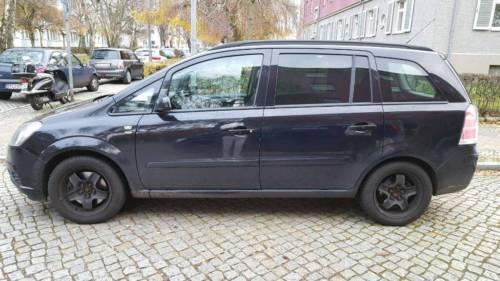 verkauft opel zafira 1 9 diesel 150ps gebraucht 2006 km in reinickendorf. Black Bedroom Furniture Sets. Home Design Ideas