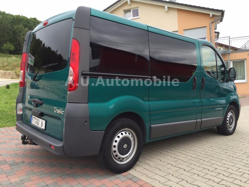 verkauft renault trafic combi l1h1 2 7 gebraucht 2007. Black Bedroom Furniture Sets. Home Design Ideas